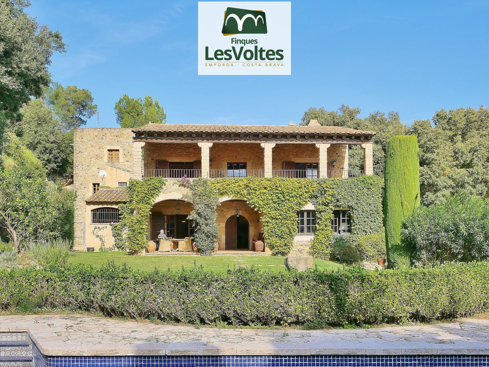 TOTALLY RESTORED PROPERTY FOR SALE FOIXÀ. MAGNIFICENT SEA AND MOUNTAIN VIEWS. MAGNIFICENT OPPORTUNITY!