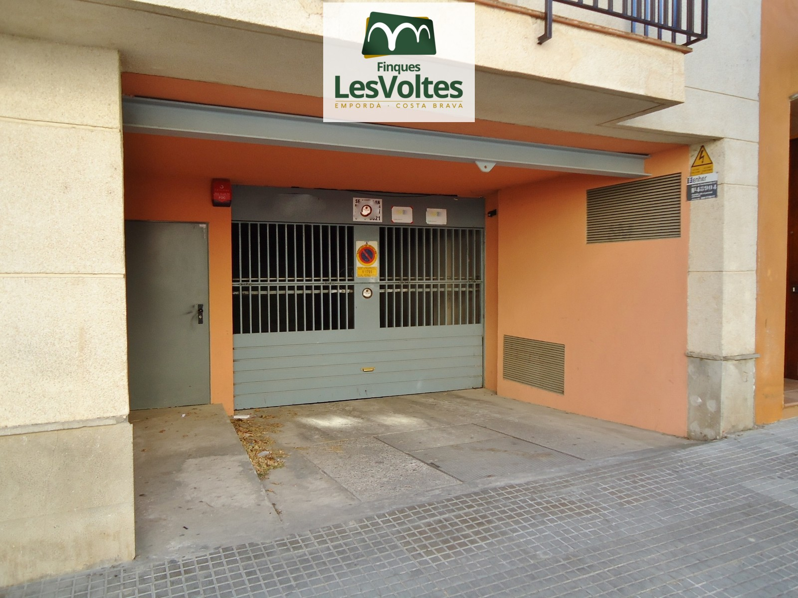 PARKING PLACE FOR SALE IN THE AREA OF THE SOCCER FIELD OF PALAFRUGELL.