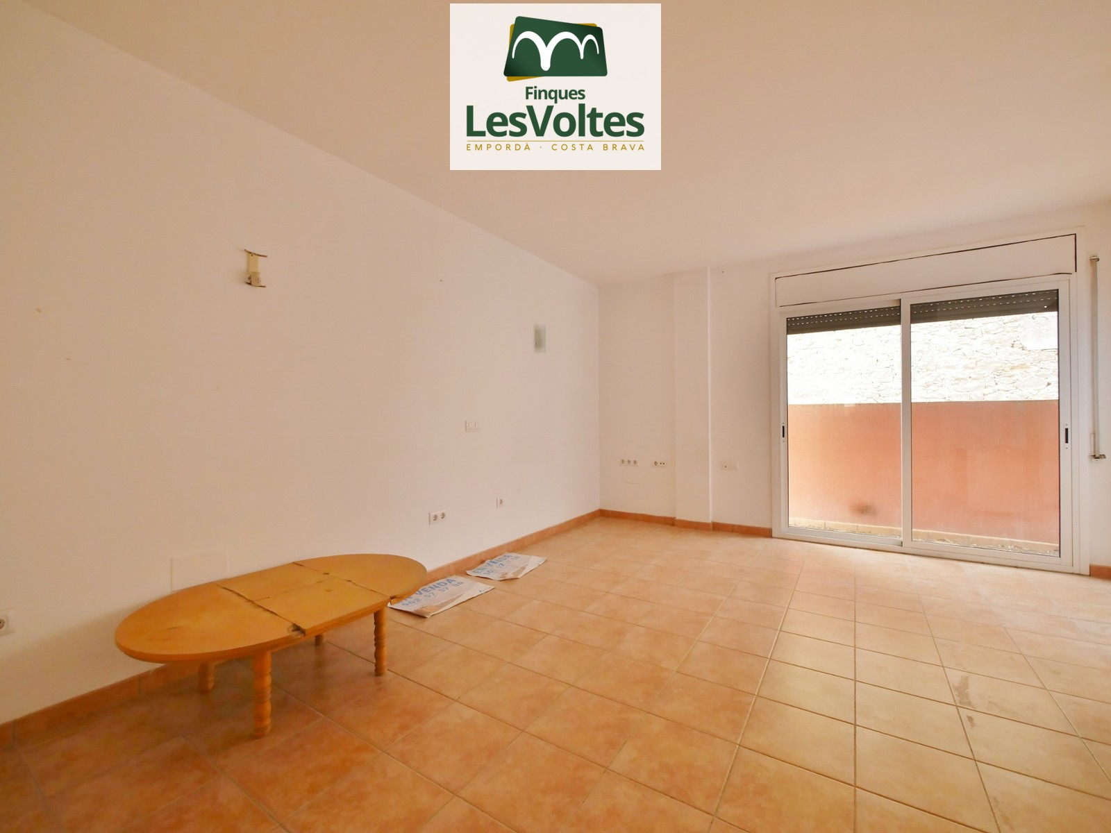 FLAT OF 68 M2 WITH 2 BEDROOMS, TERRACE, PARKING SPACE AND STOREROOM FOR SALE IN VERGES.