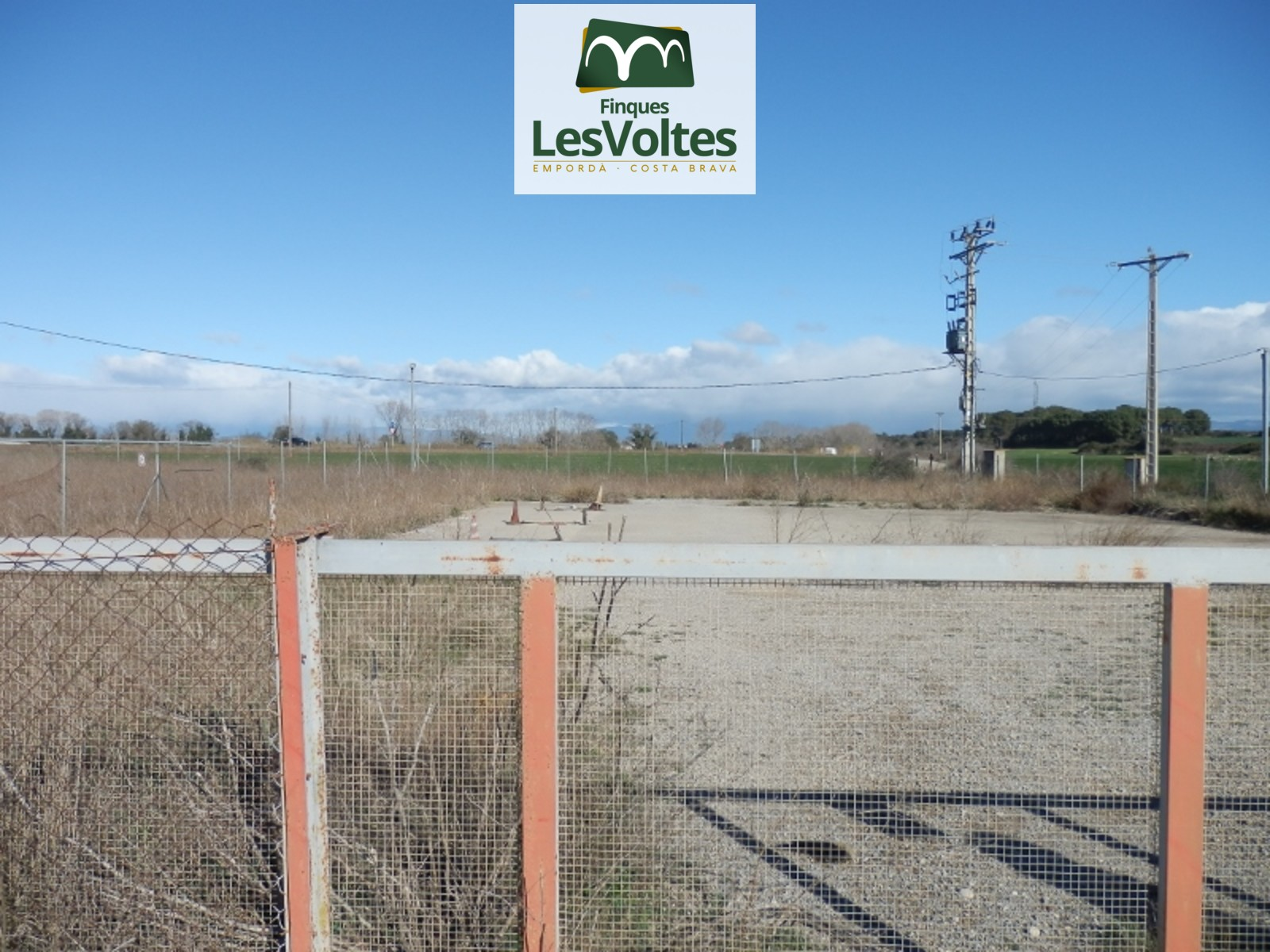 LAND FOR SALE IN VILACOLUM TO STORE FUEL WITH ALL PERMITS. FULLY FENCED PROPERTY