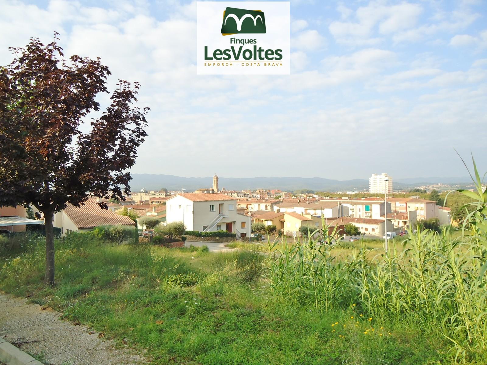 Plot for sale in La Bisbal d'Empordà for single-family house.