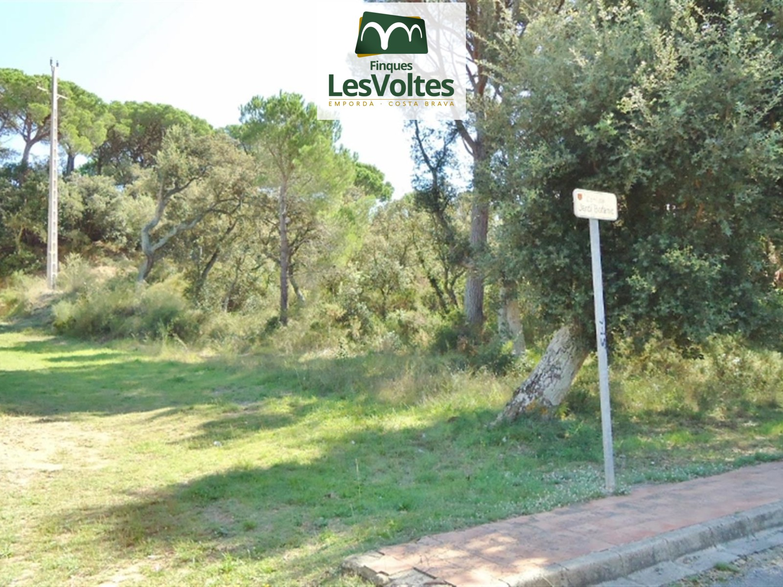 PLOT FOR SALE IN CALELLA DE PALAFRUGELL OF 1,857 M2 TO BUILD A SINGLE-FAMILY HOUSE.