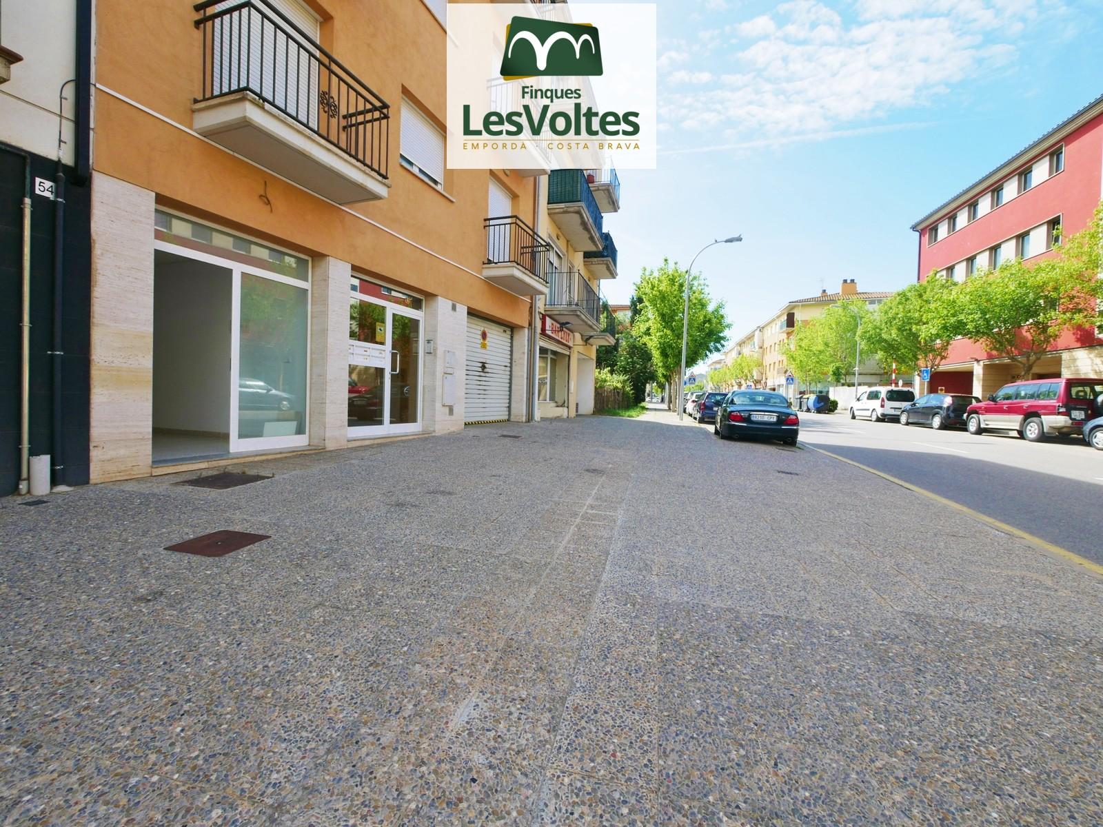 Local comercial de 30m2 en venda a Palafrugell. Bona ubicació en zona de pas.