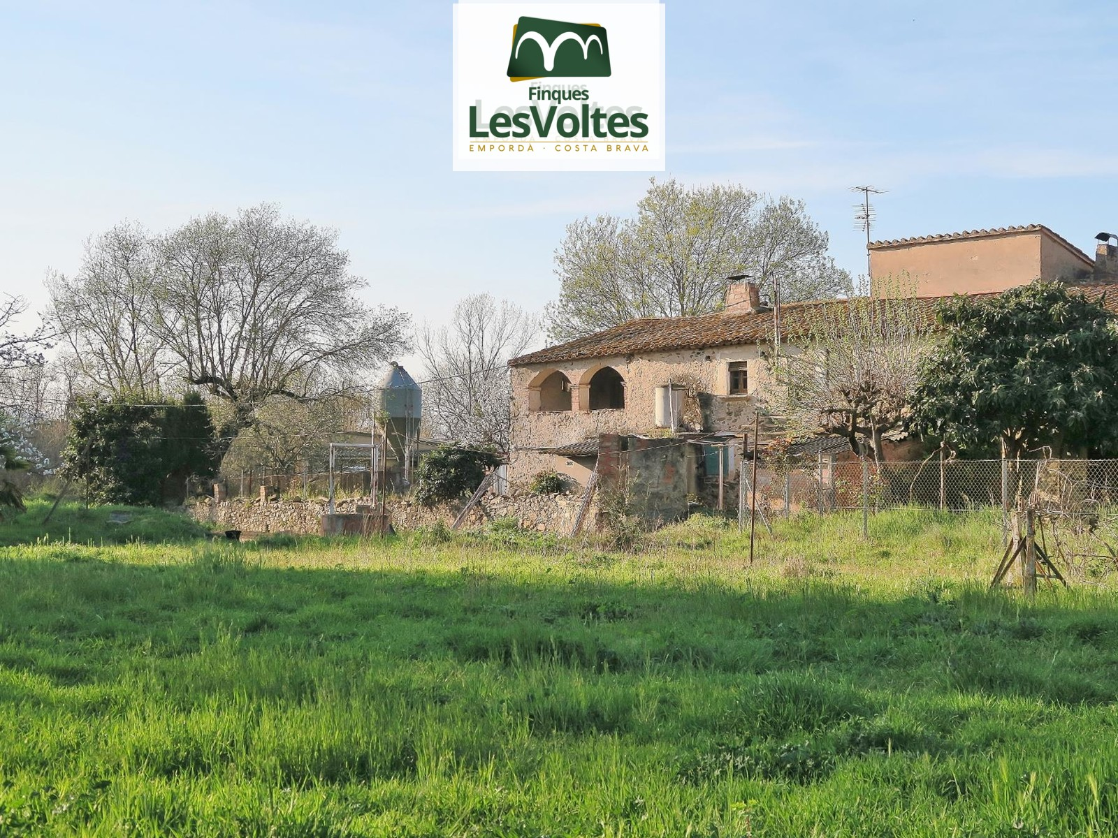 HOUSE OF 600 M2 TO RESTORE IN FULL SALE IN SANT POL.