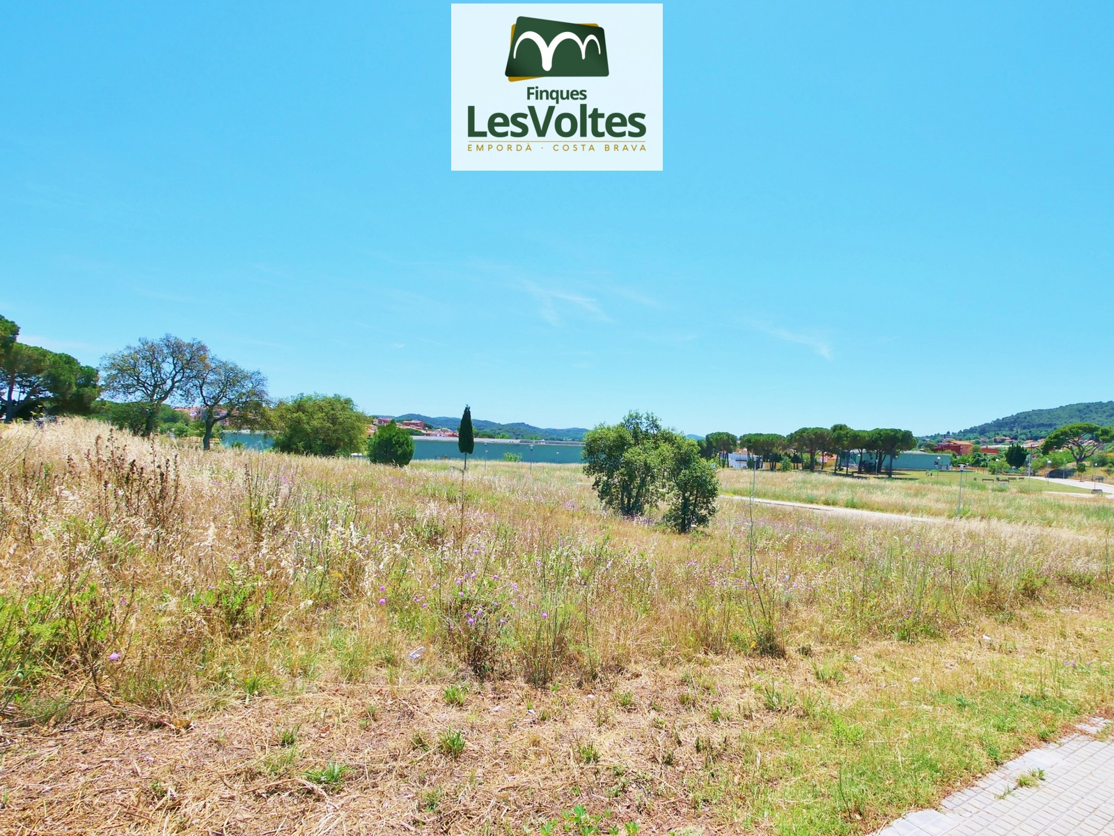 plot per a single-family house from 450m2 for sale in Mont-ras.