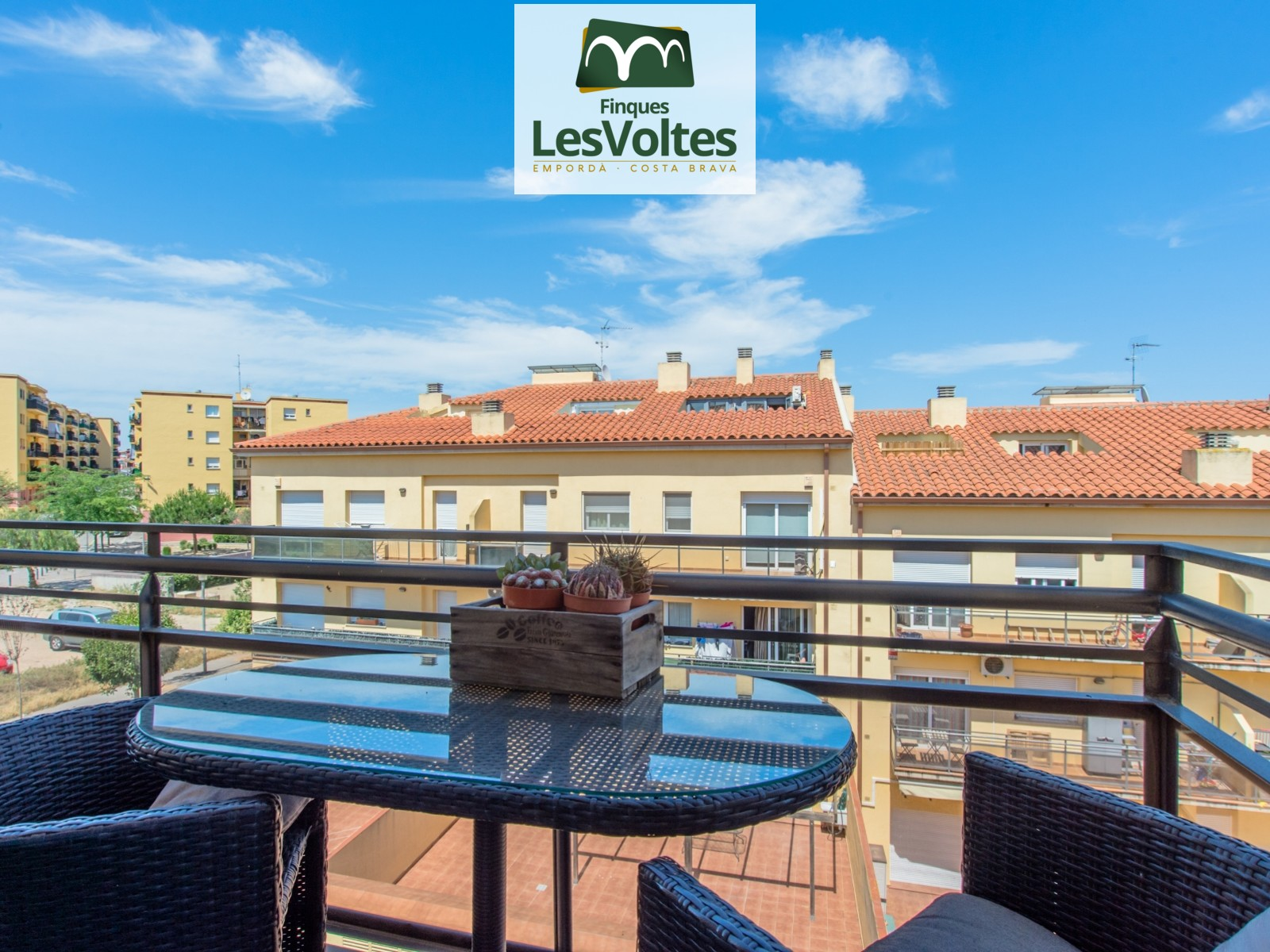 MAGNIFICENT 4 BEDROOM DUPLEX PENTHOUSE WITH TERRACE AND DOUBLE PARKING SPACE FOR SALE IN PALAFRUGELL.