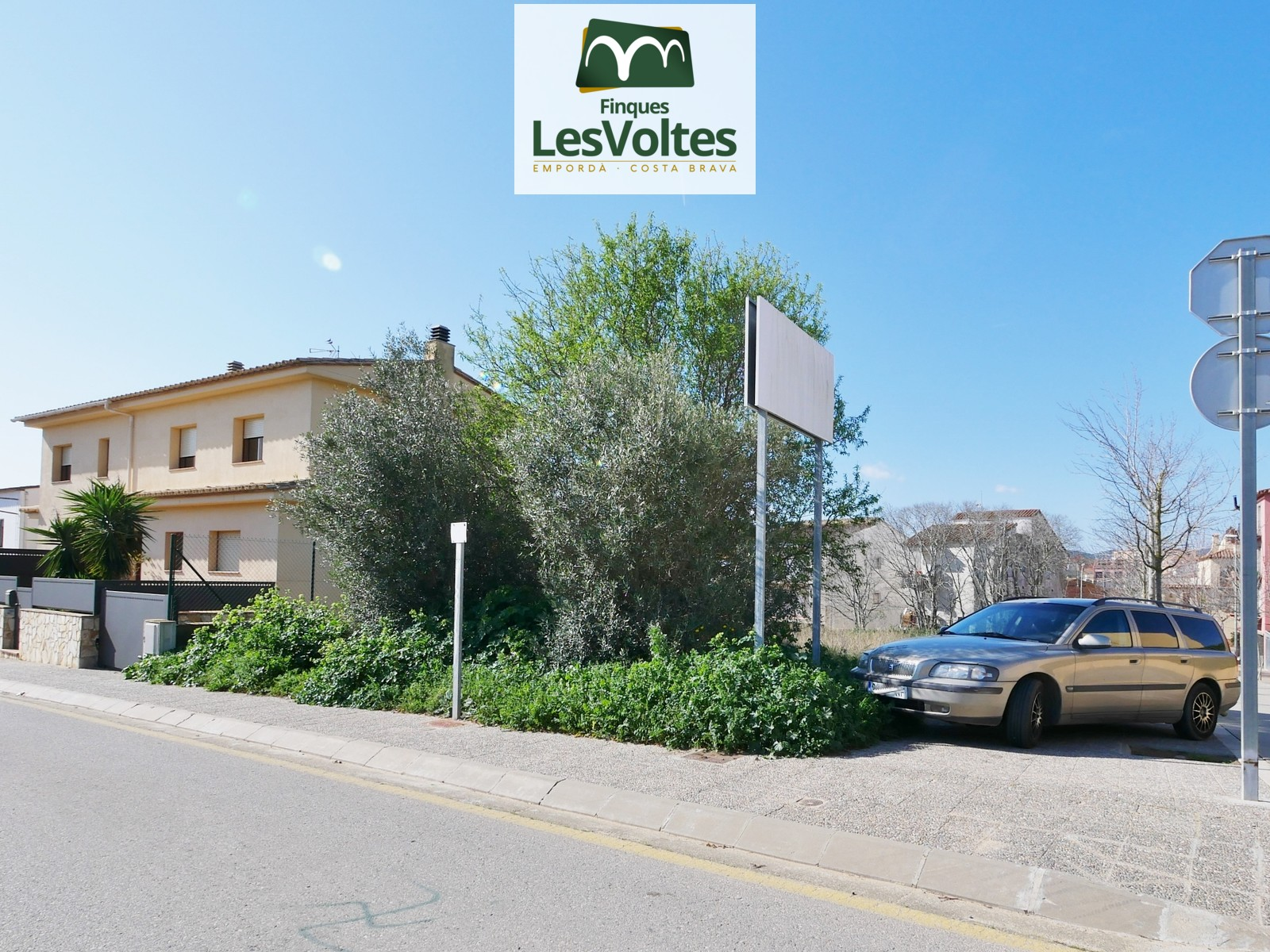 4 Building plots from 276 m2 for sale in a very quiet residential area of Palafrugell.