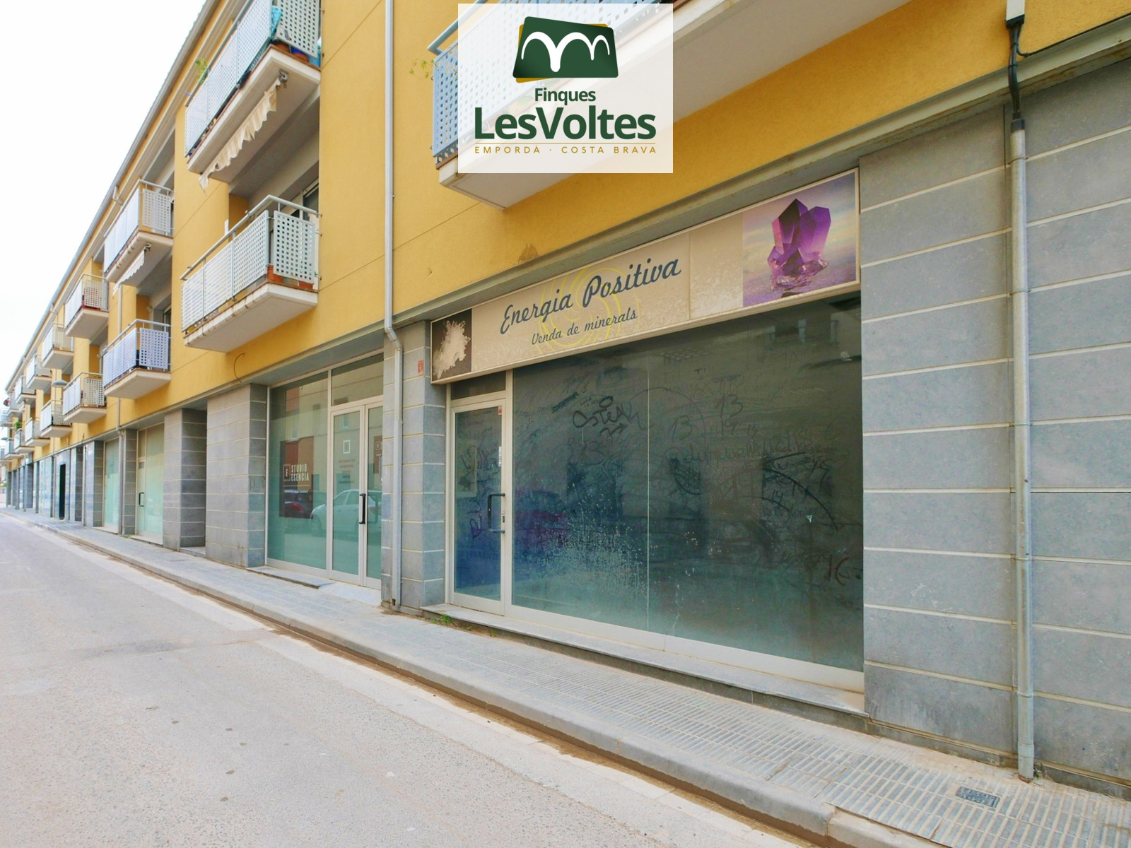 OPPORTUNITY! LARGE COMMERCIAL PREMISE 187M2 TOTALLY OPEN FOR SALE IN PALAMÓS.