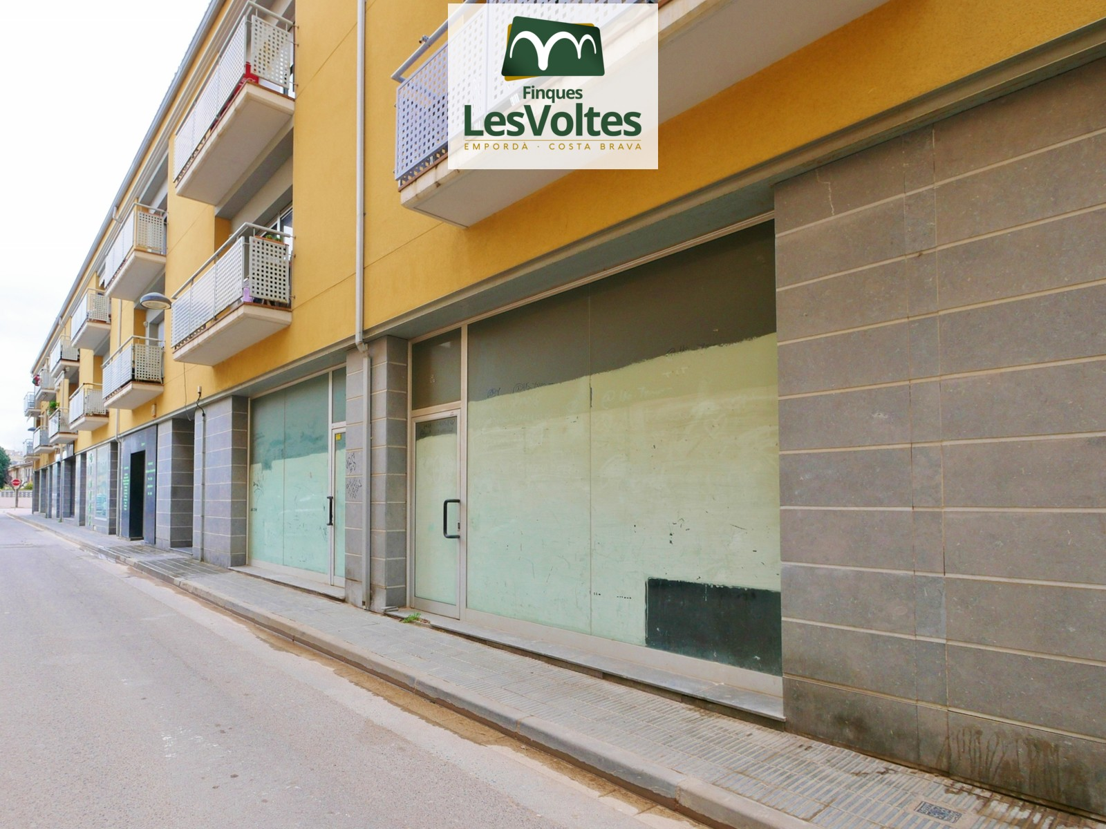 Local comercial de 130 m2 en venda al centre de Palamós.