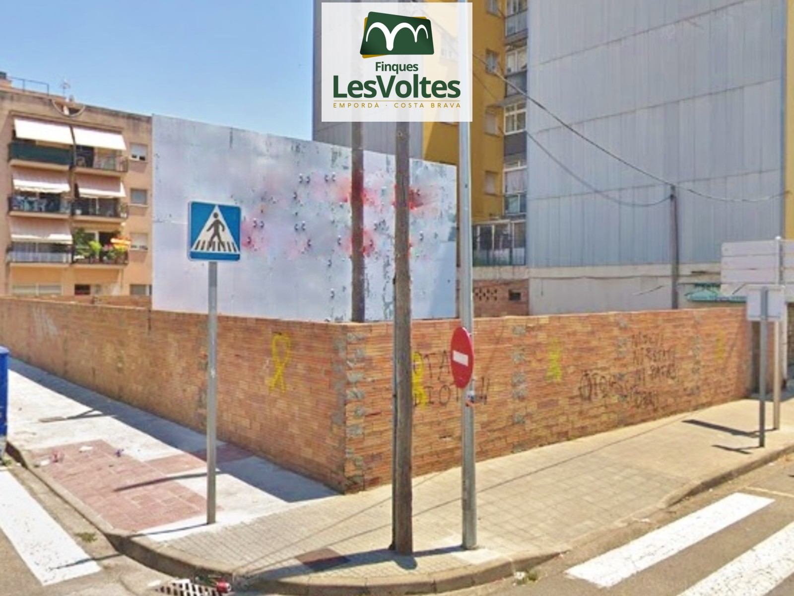 GREAT PLOT FOR PROMOTERS IN THREE STREETS FOR SALE IN PALAFRUGELL. HIGH BUILDABILITY AND GREAT CONDITIONS OF ACQUISITION.