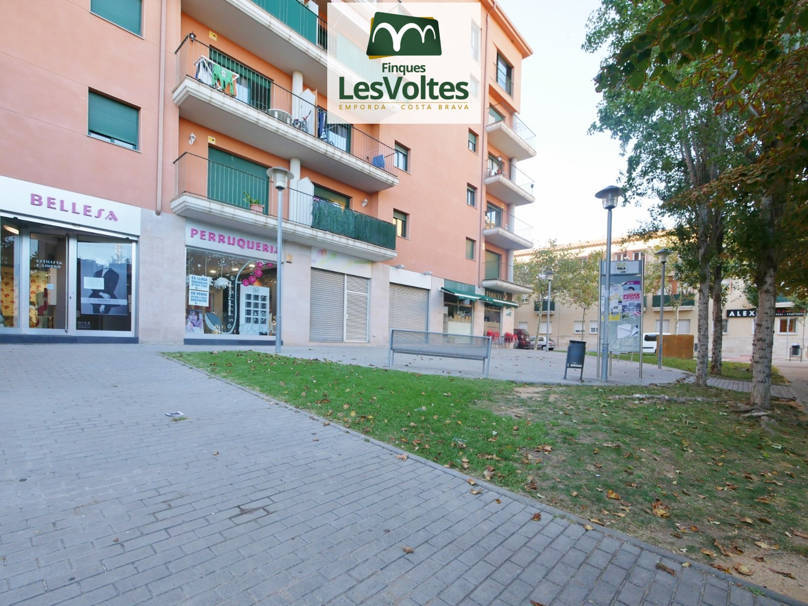 FULLY REFORMED COMMERCIAL PREMISES FOR RENT IN FRONT OF THE PALAFRUGELL STADIUM.