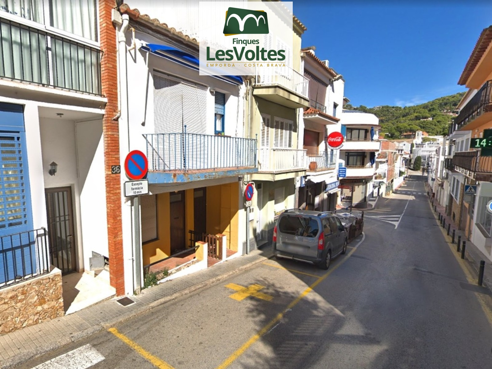 TOWN HOUSE FOR SALE IN THE CENTER OF LLAFRANC IN SECOND LÍNIA DE MAR. FINCA WITH MANY POSSIBILITIES.