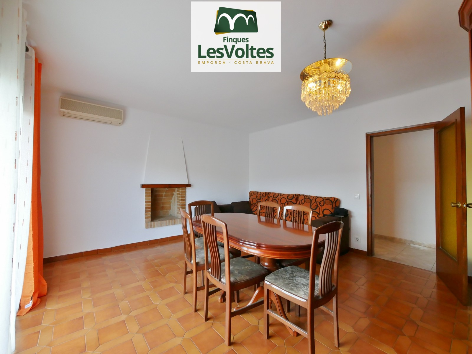 95 M2 APARTMENT ON THE FIRST FLOOR WITHOUT ELEVATOR, WITH 3 BEDROOMS AND TERRACES FOR RENT IN LA BISBAL.