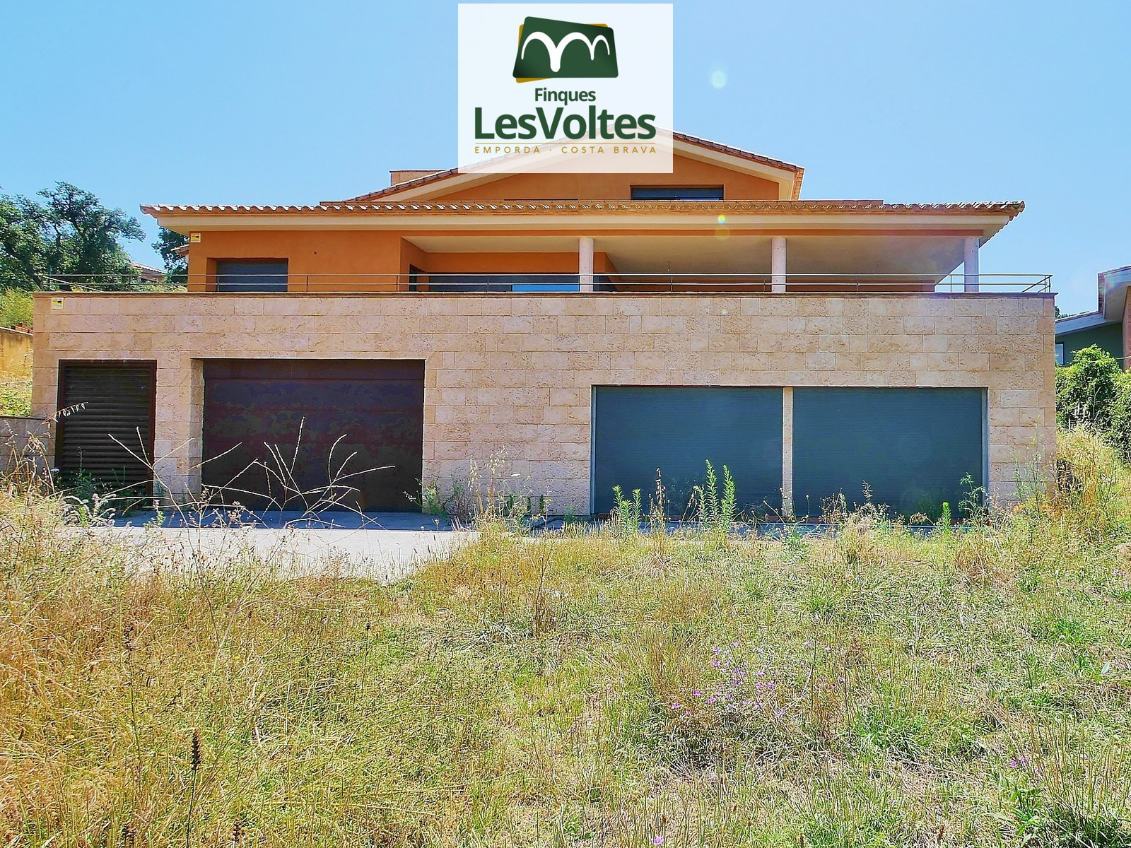 MAGNIFICENT BRAND NEW SINGLE-FAMILY HOUSE WITH LARGE GARDEN FOR SALE IN SANT ANTONI DE CALONGE.