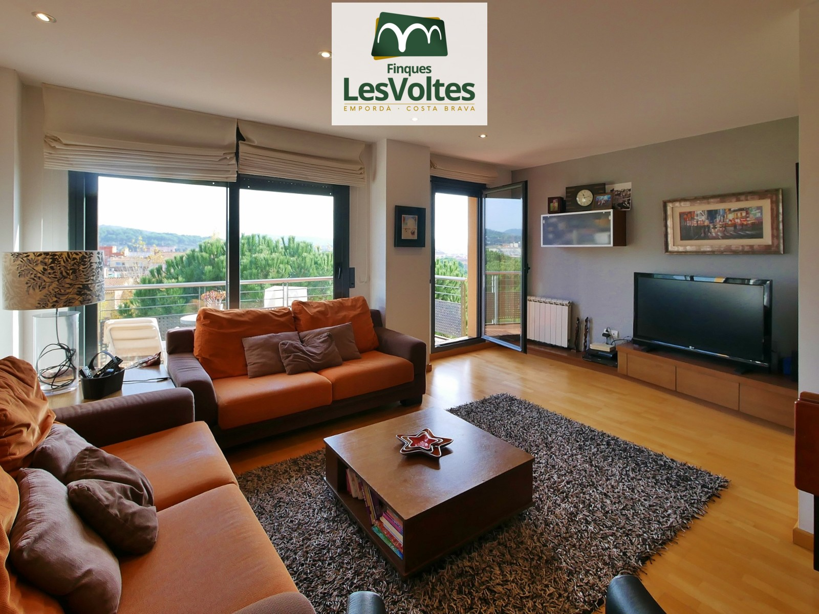 MAGNIFICENT FLAT OF 100M2 WITH VIEWS LARGE BALCONY-TERRACE AND 2 PARKING SPACES INCLUDED. IMPECCABLE!