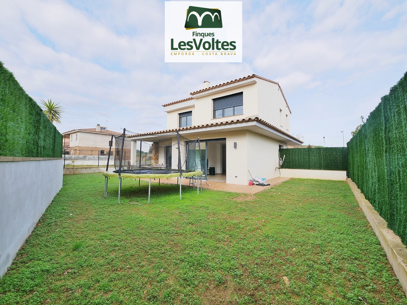 MAGNIFICENT SINGLE-FAMILY HOUSE OF NEW CONSTRUCTION AND CONTEMPORARY STYLE FOR SALE IN PALAFRUGELL. RESIDENTIAL AREA NEAR THE