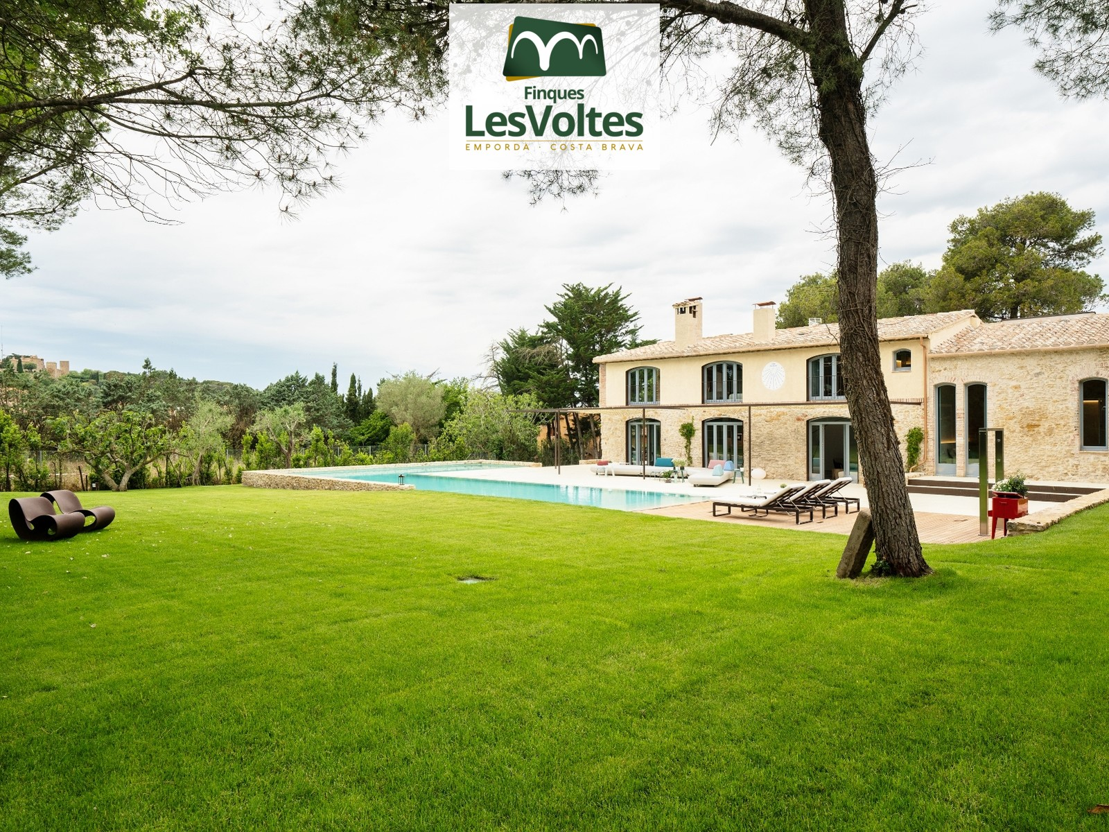 Can Rajoler. Spectacular farm in the heart of the town of Pals, Baix Empordà, Girona, one step away from all services.