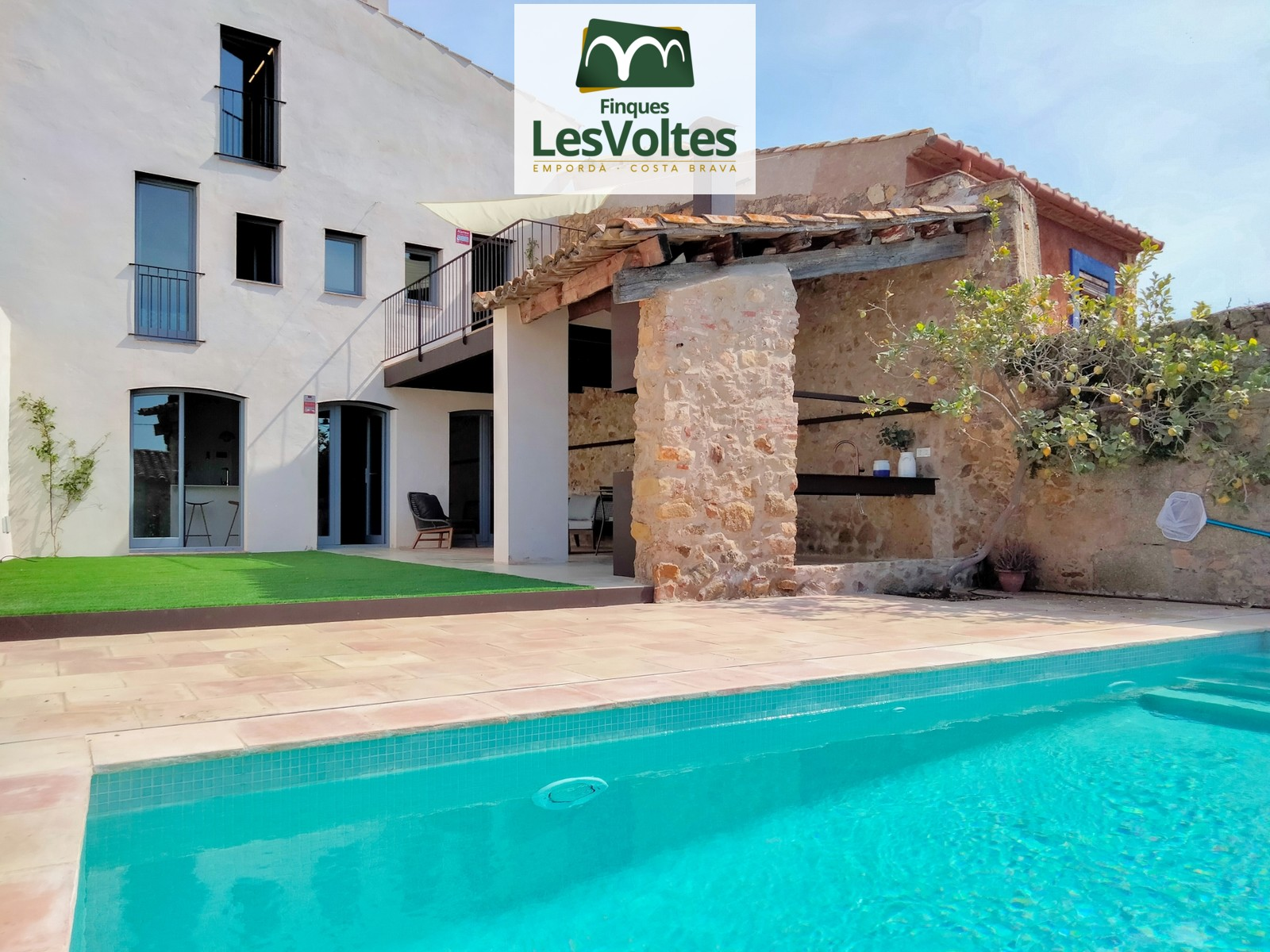 Village house with garden and pool completely renovated in Santa Cristina d 'Aro
