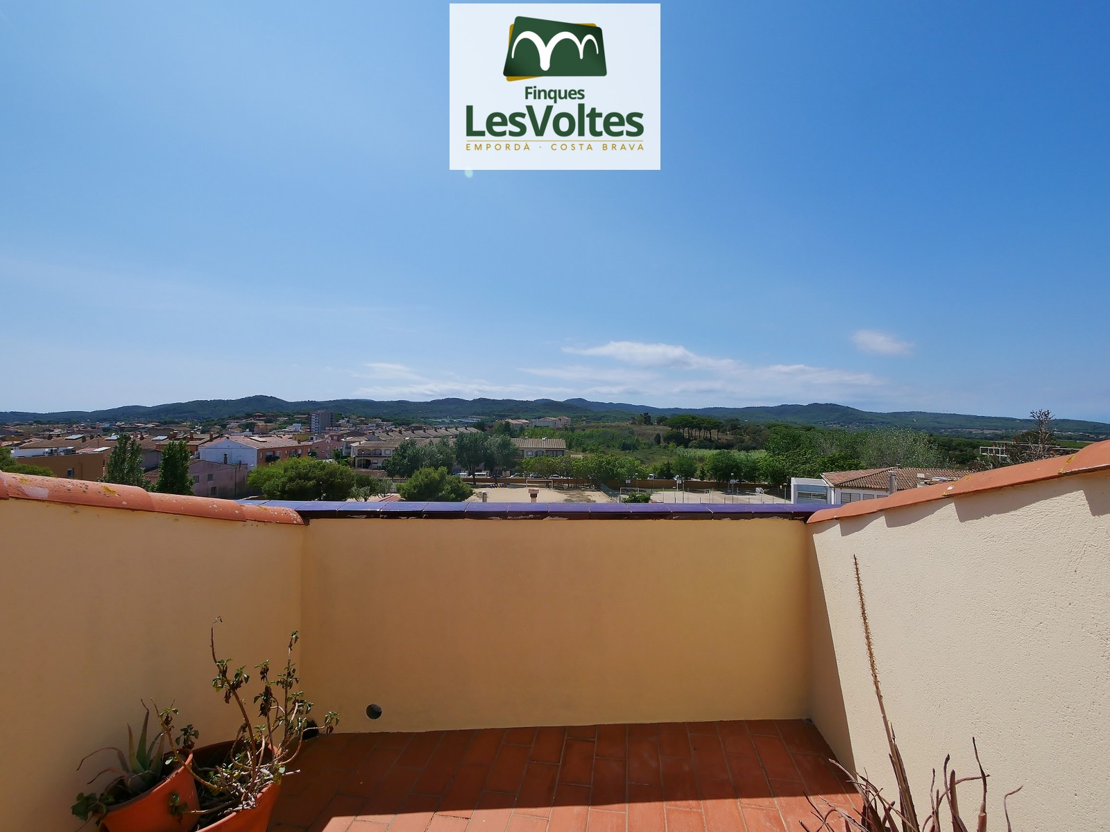 TWO-BEDROOM APARTMENT OF 55 M2 IN GOOD LOCATION CLOSE TO THE CENTER OF PALAFRUGELL