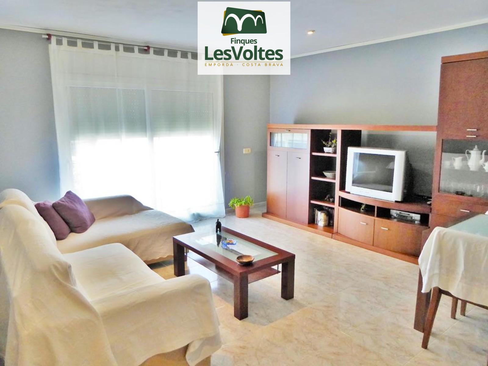 Pis de 3 dormitoris amb terrassa en venda a Palafrugell.