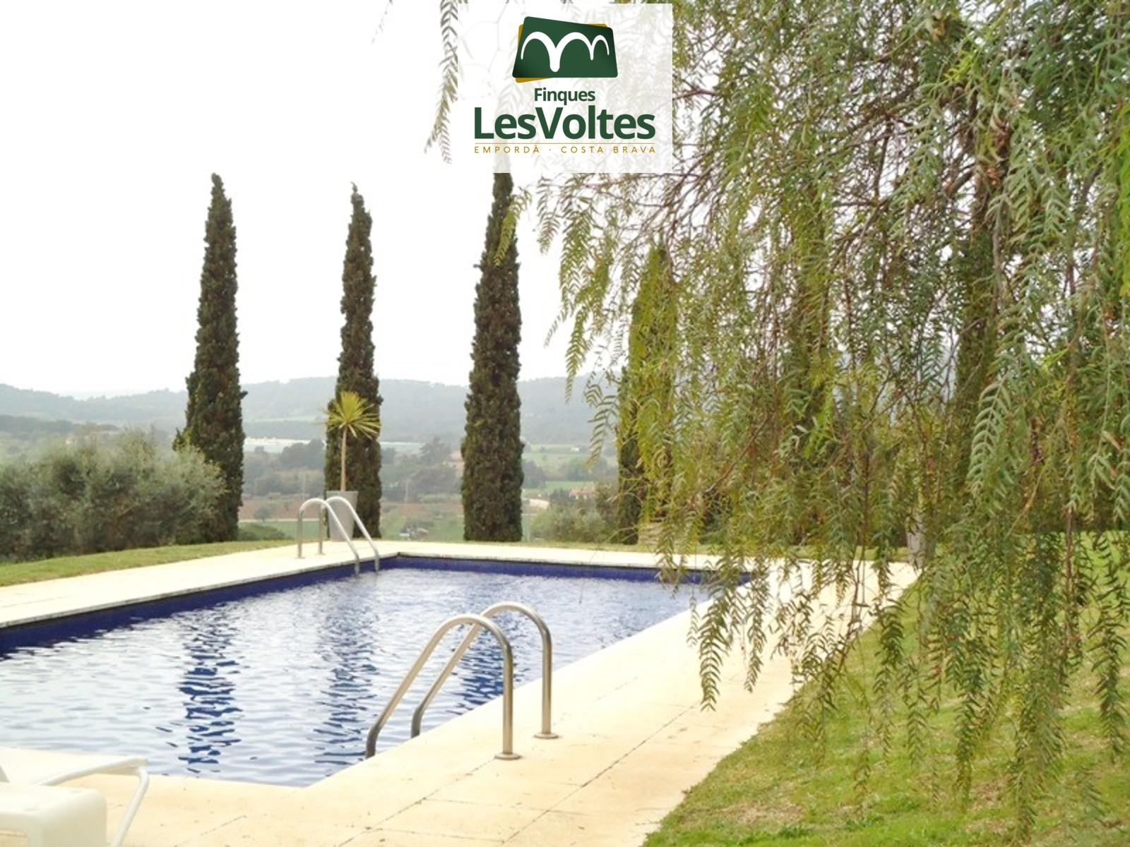 Finca única en venda al Baix Empordà obra de l'arquitecte Josep Pratmarsó. Nou preu!