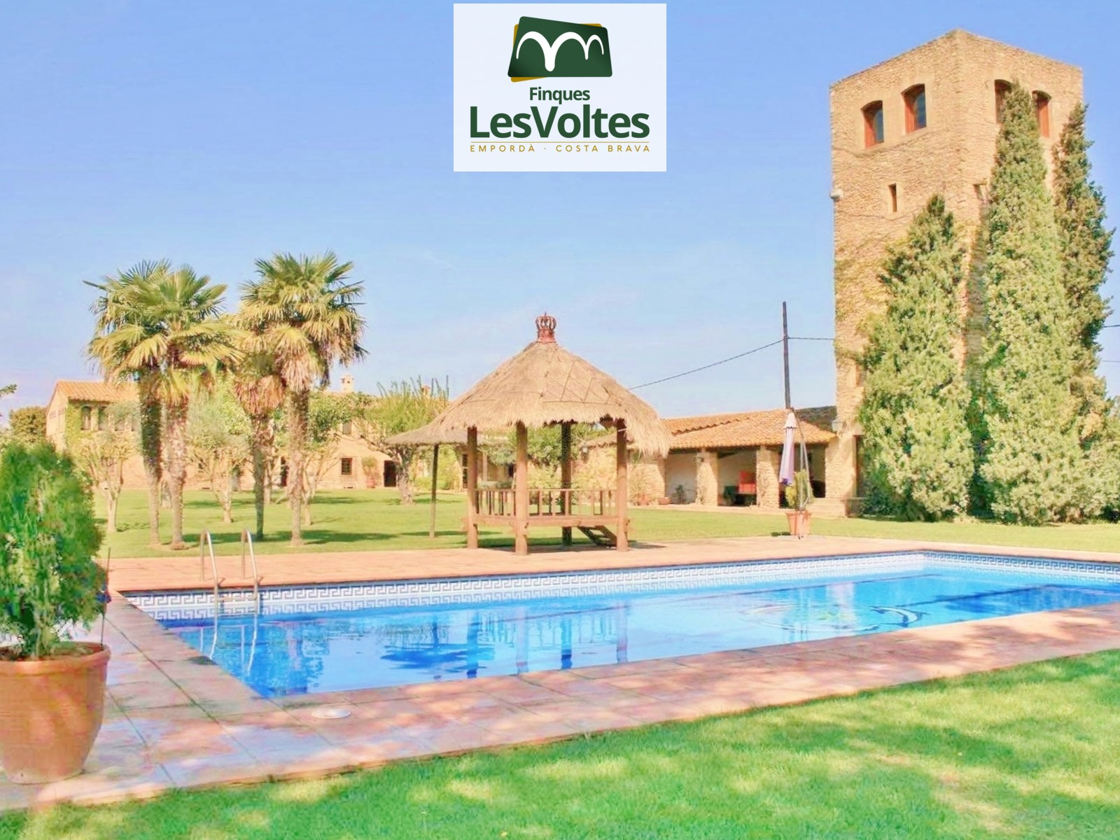 Spectacular property for sale in one of the most beautiful environments in the Baix Empordà.