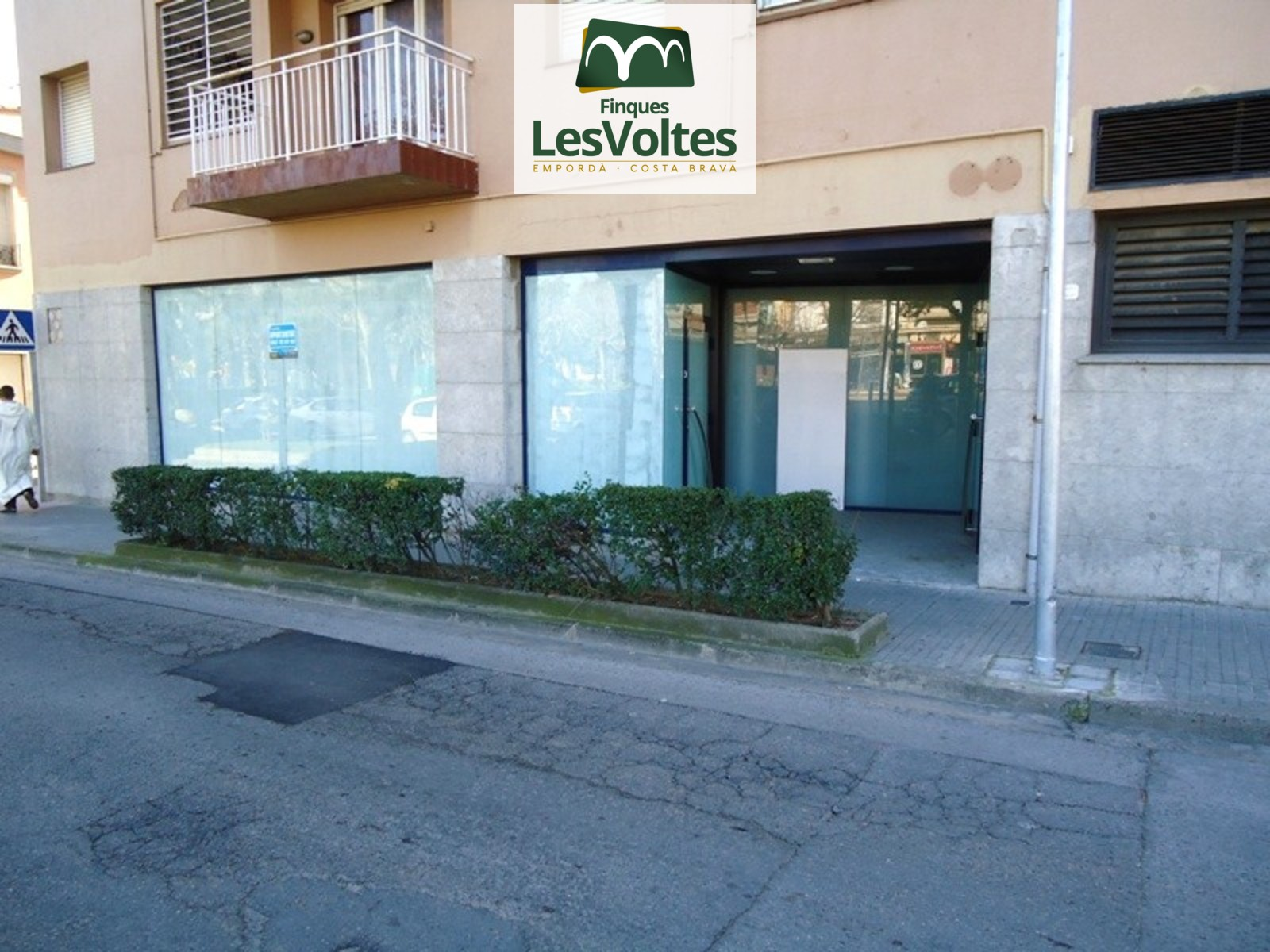 Local comercial 268m2 en venda al centre de Palafrugell. Preu negociable.