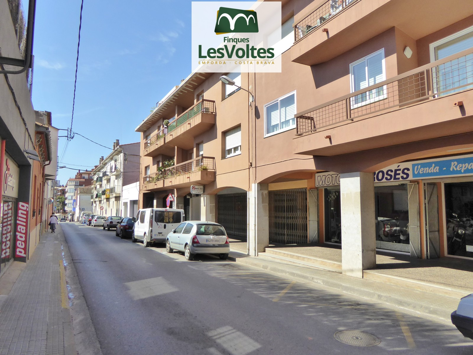 Parking for sale in the center of Palafrugell.
