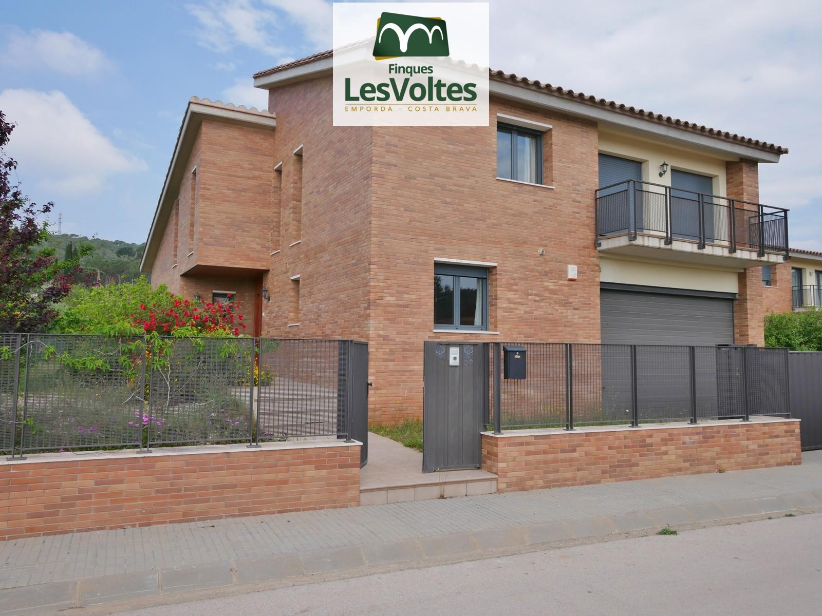 Magnífica casa unifamiliar en venda a Vall-Llobrega.