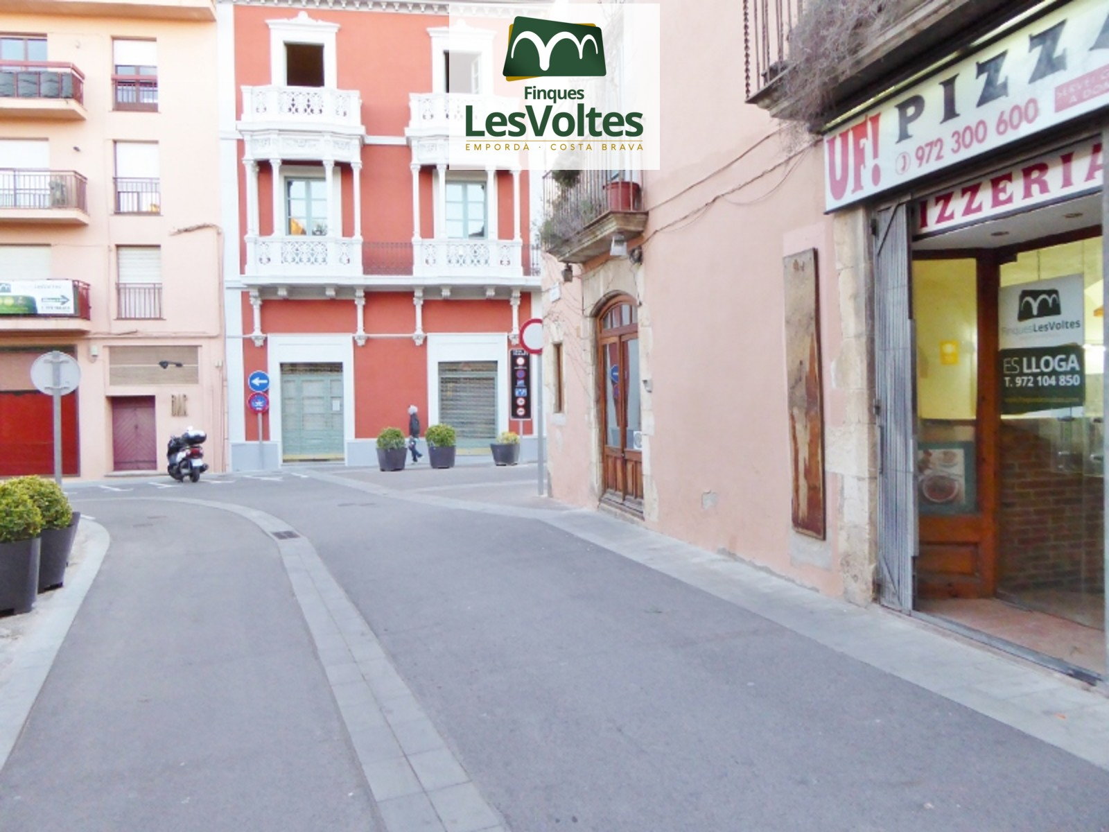 COMMERCIAL RENT IN THE CENTER OF PALAFRUGELL. MANY POSSIBILITIES